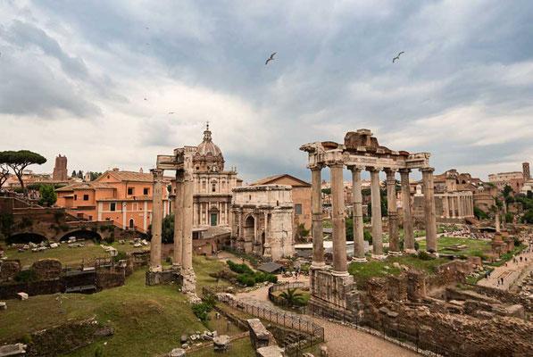 Immer wieder ein erhabener Anblick, das Forum Romanum war vor 2000 Jahren der Mittelpunkt des römischen Lebens