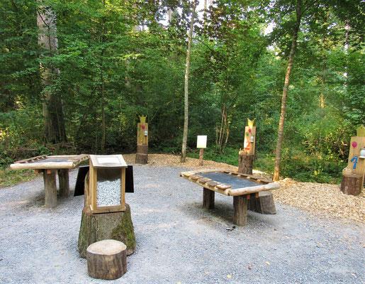 Mitmachstationen vom Zahlenwald im Gramschatzer Wald