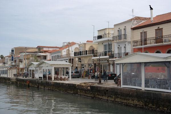 Am Hafen von Koroni
