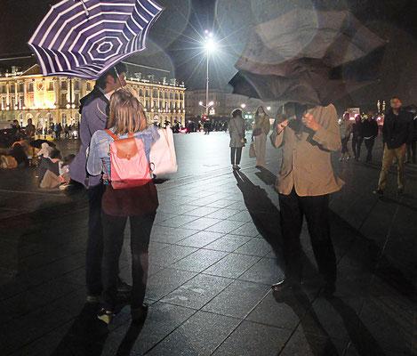 Ghislaine Chapeau_03_Jeu de parapluie