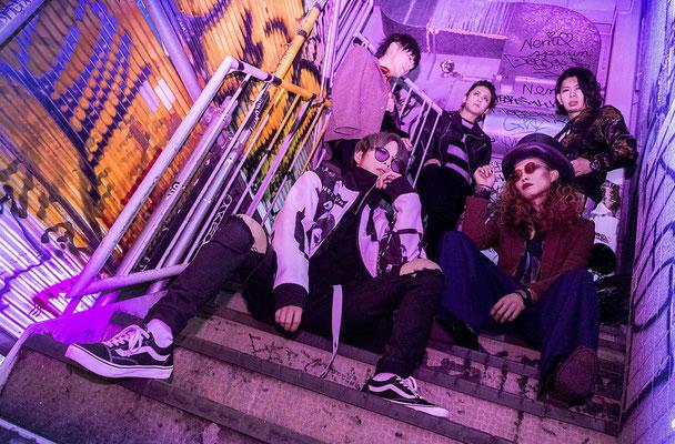 Januar 2018; von links nach rechts: Zero, Yuuki, Hiyuu, Satoshi, Ichirou