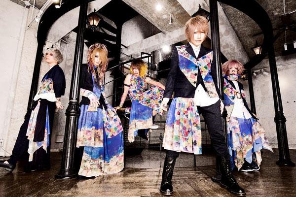 Januar 2017; von links nach rechts: Sana, Haku, LiN, Yui, Shiina Mio