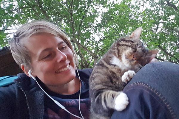 Nature.Impulse - Urlaub gegen Hand auf dem Hof in Sachsen Anhalt - Schmusen mit Rabbatz
