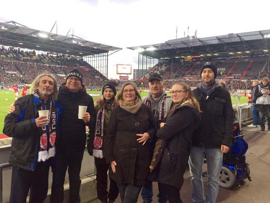 Von Links nach Rechts:Eduard, Torsten, Diana, Sbine, Thomas M., Vanessa und Lukas