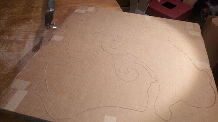 Après traçage des formes animaux sur les cartons...