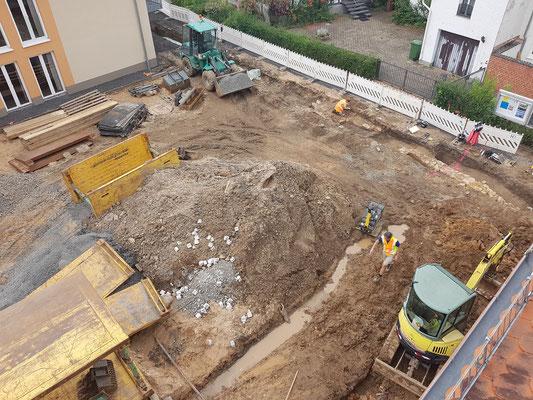 17. Juni: Ein Blick auf den Martin-Luther-Platz während der Erdarbeiten; Foto: VfKuHH