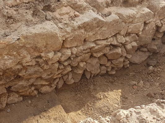 26. Juni: Oder ist es doch Rom? Funde aus der letzten Woche könnten auf das Kastell weisen.