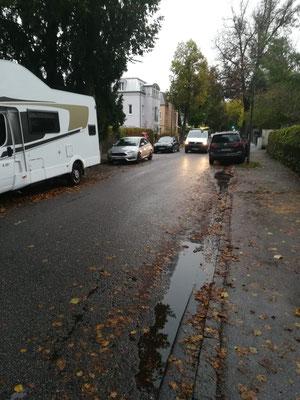 Eine normale Verkehrssituation in der Hermann-Stockmannstraße.....
