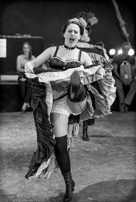 French Cancan: Schüler-Tanzshow vom Vintage Dance Studio auf dem Münchner Tollwood Festival. Foto: Michael Föhlinger