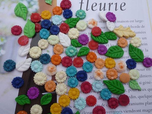 Fleurettes miniatures en pâte Fimo (10mm) 1€ le lot de 10