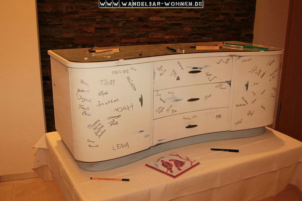 Hochzeit, Kommode, Gästebuch, Geschenk, DIY, Selber machen, Kreidefarbe, Acrylfarbe, Wachsen, Holz, Vorstreichfarbe, Anleitung, Schritt-für-Schritt, Möbelstück