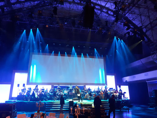 "Festhalle Messe Frankfurt: ""Michael Jackson - The Symphony Experience"" -Orchestermanagement-"
