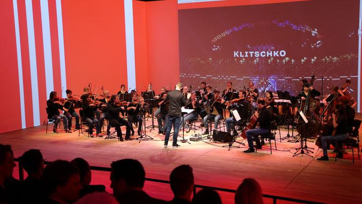 Elbphilharmonie Hamburg (Kleiner Saal): Firmenpräsentation KLITSCHKO.COM -Orchestermanagement GermanPops Orchestra-