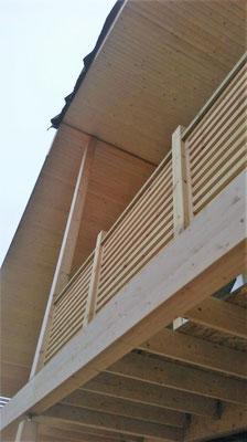 Balcon maison en bois
