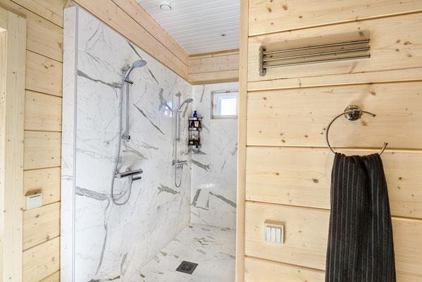 Maison en bois douche