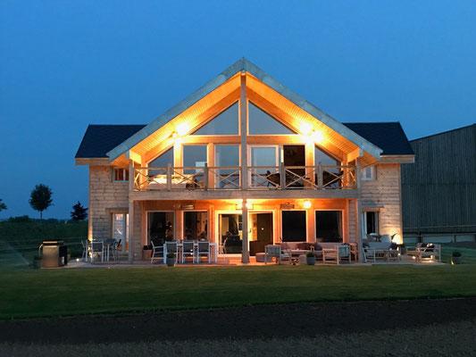 Maison bois madrier contre collé