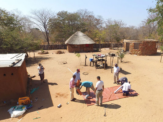 Setting up the biodigester at the first site : Lovemore's village in Chidobe, Victoria Falls.