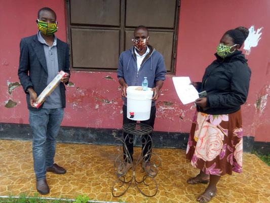 Das Team: Leiter der DCPO Ramadhani Hamisi, John Mboma und Agnes Mweta (v.l.n.r.)