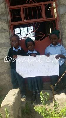 Die Kinder können endlich in ihre Schule einziehen!