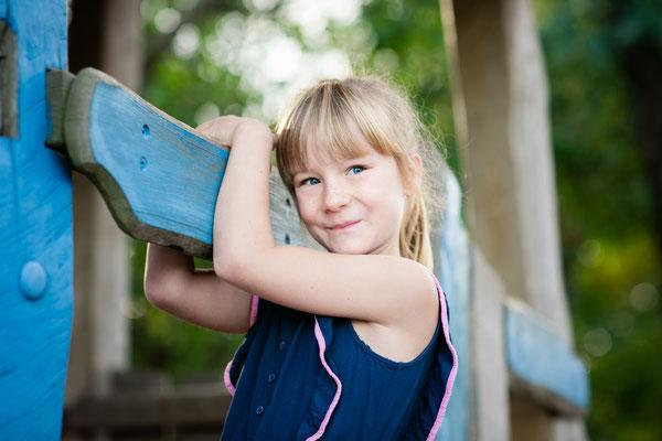 Grundschule Fotograf draußen