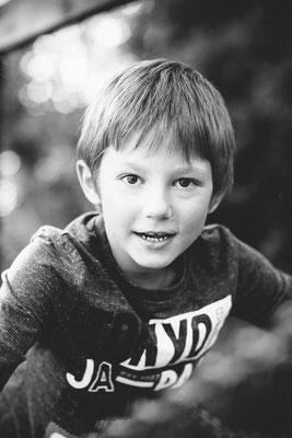 Portrait Schwarz weiß Kindergartenfotograf