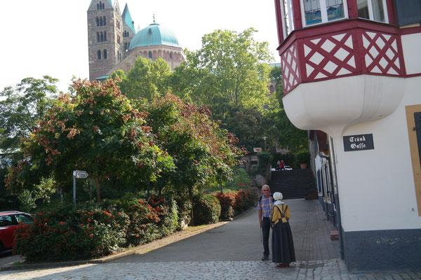 Fußweg zum Dom