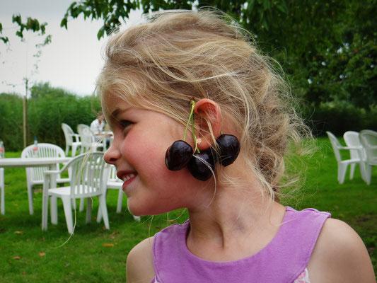 kersen oorbellen