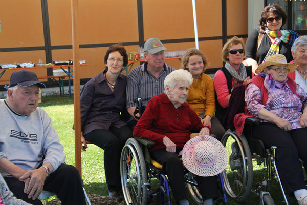 die Bewohner des Hauses für Senioren haben die Pflanzaktion miterlebt