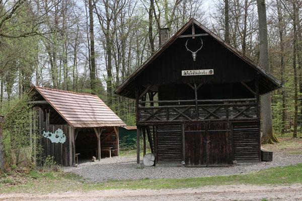 in Heiligkreuztal am Schneckenhaus befindet sich das Schild am Nebengebäude
