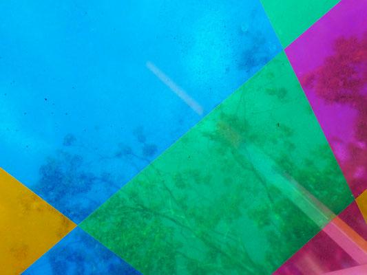 Attrape-soleil aux 4 couleurs, Daniel Buren