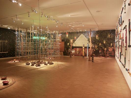 Exposition temporaire : Black Forest de Pascale Marthine Tayou