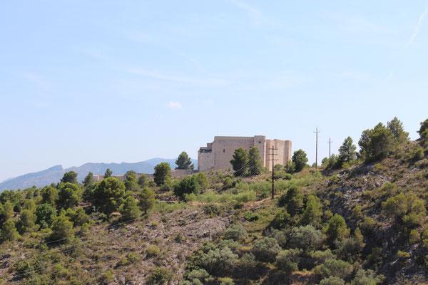 Miravet Castle im Ebrotal