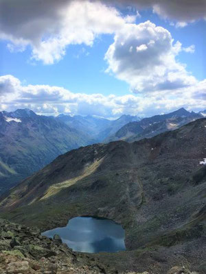 Aussicht vom Gaislachkogl auf Bergsee, Sölden/Foto Lucia Moulin-Gallego