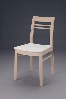 Stuhl Modell HC 155 in Buche! Maße 48 cm tief, 43 cm breit, 83 cm hoch, 46 cm Sitzhöhe