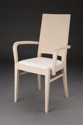 Stuhl Modell HC 101-A in Buche! Maße 53 cm tief, 56 cm breit, 97 cm hoch, 46 cm Sitzhöhe, 67 cm Armlehnhöhe