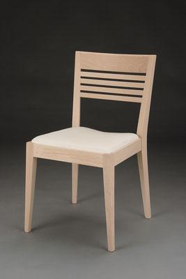 Stuhl Modell HC 185 in Buche! Maße 54 cm tief, 48 cm breit, 85 cm hoch, 47 cm Sitzhöhe