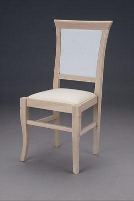 Stuhl Modell HC 519 in Buche! Maße 46 cm tief, 44 cm breit, 96 cm hoch, 49 cm Sitzhöhe