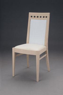 Stuhl Modell HC 105 in Buche! Maße: 53 cm tief, 45 cm breit,97 cm hoch, 46 cm Sitzhöhe