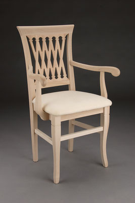 Stuhl Modell HC 539-A in Buche! Maße 47 cm tief, 61 cm breit, 96 cm hoch, 51 cm Sitzhöhe, 70 cm Armlehnhöhe