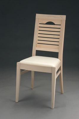 Stuhl Modell HC 107 in Buche! Maße: 53 cm tief, 45 cm breit, 97 cm hoch, 46 cm Sitzhöhe