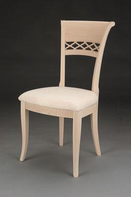 Stuhl Modell HC 821 in Buche! Maße 57 cm tief, 50 cm breit, 97 cm hoch, 51 cm Sitzhöhe