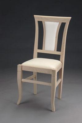 Stuhl Modell HC 573 in Buche! Maße 46 cm tief, 44 cm breit, 96 cm hoch, 49 cm Sitzhöhe