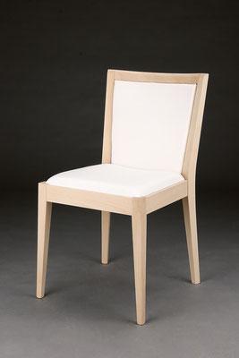 Stuhl Modell HC 180 in Buche! Maße 54 cm tief, 48 cm breit, 85 cm hoch, 47 cm Sitzhöhe
