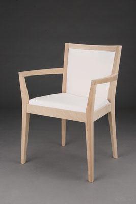 Stuhl Modell HC 180-A in Buche! Maße 56 cm tief, 63 cm breit, 85 cm hoch, 47 cm Sitzhöhe, 67 cm Armlehnhöhe