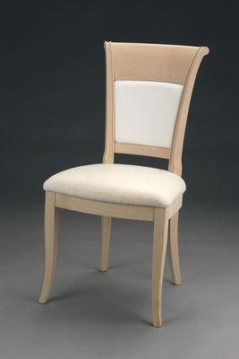 Stuhl Modell HC 820 in Buche! Maße 57 cm tief, 50 cm breit, 96 cm hoch, 51 cm Sitzhöhe