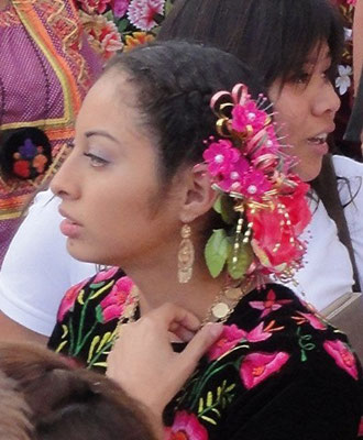 Belles mexicaines en costume traditionnel