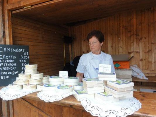 Marché Français : vente de fromages