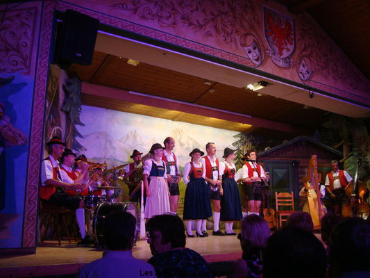 Innsbruck : spectacle folklorique
