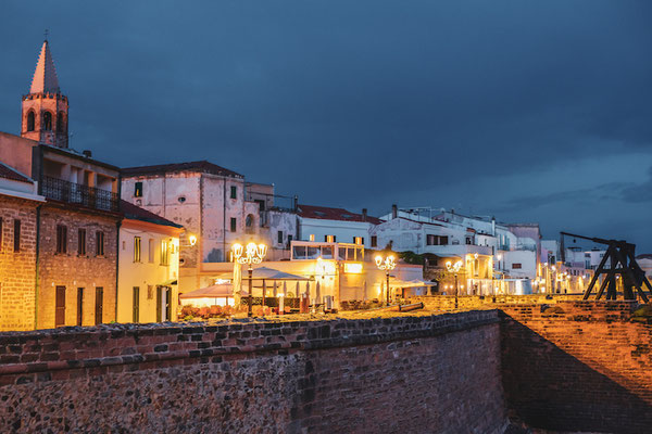 Night stroll in Alghero