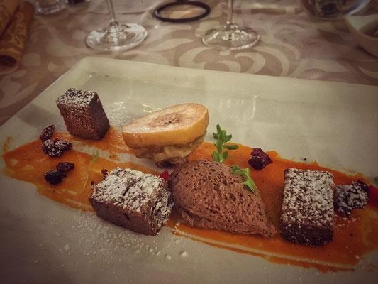 Chocolate brownie with apple_restauracia pod hradom